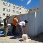 TomaX Poum et une très jeune équipe féminine déterminée à rendre le mur blanc